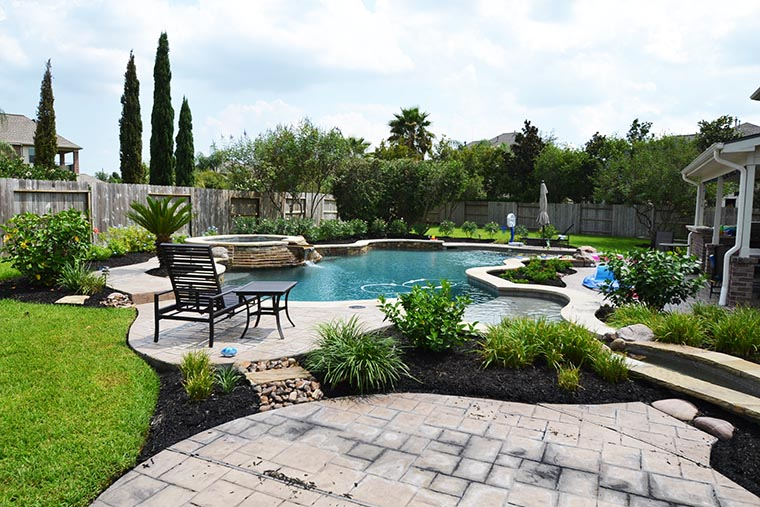 Katy landscaping reviews landscape contractors in katy for Home turf texas landscape design llc houston tx